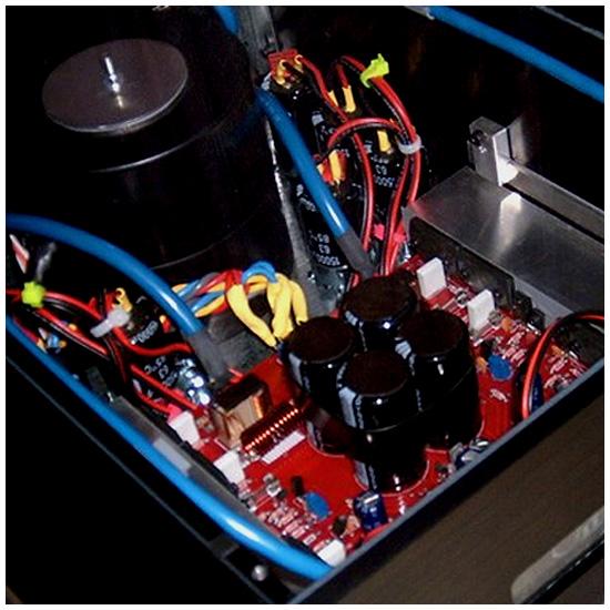 Stratos Amp